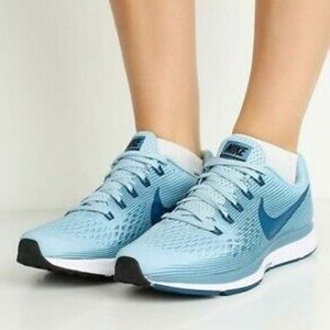 Nike Air Zoom Pegasus 34 Running Shoe